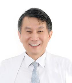 Professor Kim Hyo-jong of the Center for Crohn's and Colitis at KyungHee University Hospital