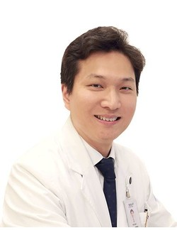 A team of researchers, led by Professor Park Young-seok of the Surgery Department at SNUBH, say obese patients must supplement some essential nutrients, including Vitamin D, before taking bariatric surgeries. (SNUBH)